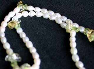 5mm White and Citrine & Peridot Oval Freshwater Cultured Pearl Necklace with Silver Clasp