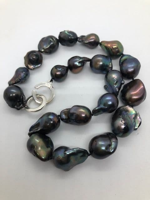 Beautiful Large  Peacock Baroque Pearl Necklace