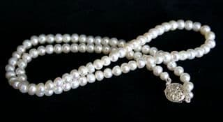 White Round Freshwater Cultured Pearl Necklace with Silver Clasp