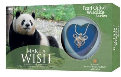 Panda Pearl Giftset with Wildlife Pendant