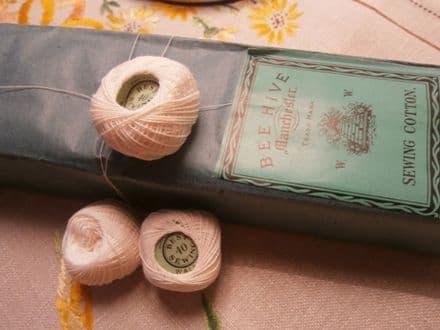 Beehive Waller fine white cotton thread
