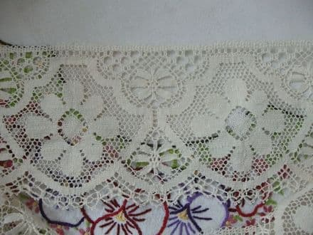 Exclusive English Nottingham Cotton Cluny Lace Ecru - Vintage Pattern 063