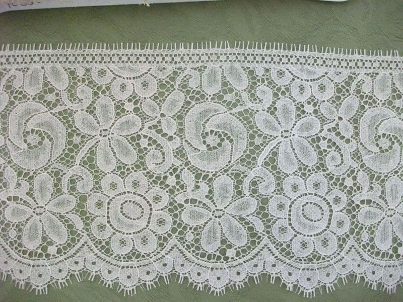 Exclusive FC356  Ecru / Champagne Nottingham Valenciennes Lace by Cluny Lace Co