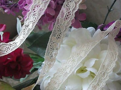 FC353 Exclusive Nottingham Cotton Cluny Lace Vintage style - Ecru