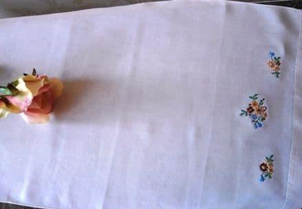 HT2 Genuine Vintage White Huckaback Towel