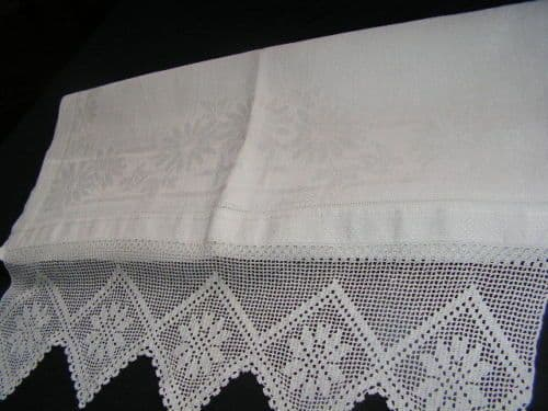 HT5 Large Genuine Vintage Irish linen, White, Lace Edged Huckaback Towel
