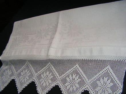 HT5 Large Genuine Vintage Irish linen, White, Lace Edged Huckaback Towel