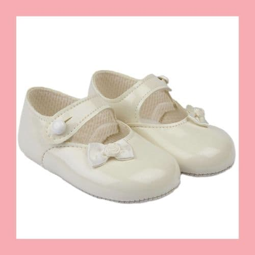 Girls Ivory Patent Bow Baypod Pram Shoes