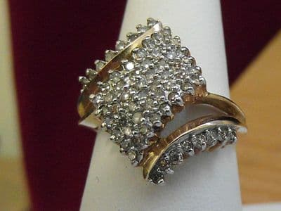 11E LADIES SOLID 10CT GOLD CLUSTER RING SIZE N