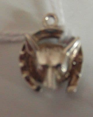 24 D BEAUTIFUL VINTAGE SILVER FOXES HEAD CHARM