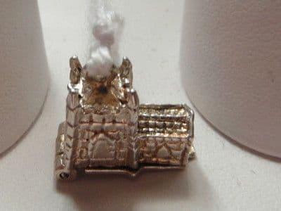 300E VINTAGE STERLING SILVER OPENING CHURCH CHARM