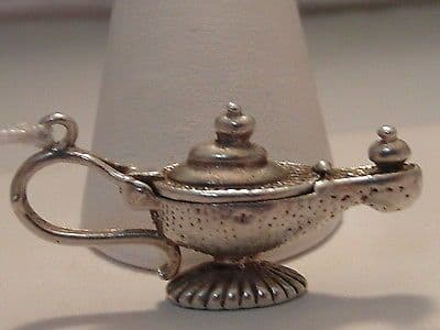 370F VINTAGE LADIES STERLING SILVER GENIE IN A LAMP CHARM/PENDANT