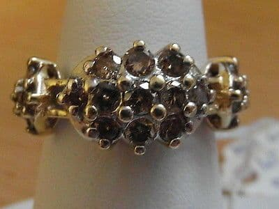 48E LADIES VINTAGE 10CT GOLD 1CT CHAMPAGNE DIAMOND TRIPPLE CLUSTER RING SIZE M