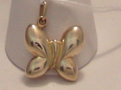 497F VINTAGE LADIES 9CT GOLD BUTTERFLY PENDANT/CHARM