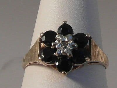 688F LADIES VINTAGE 9CT GOLD SAPPHIRE AND DIAMOND CLUSTER RING SIZE M 1/2