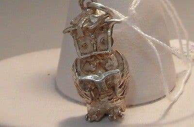71F VINTAGE LADIES/CHILDRENS STERLING SILVER WISE OLD OWL CHARM