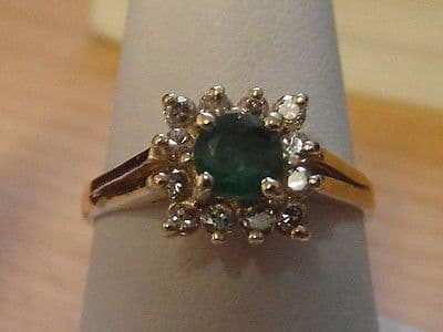 738E VINTAGE LADIES 14CT GOLD EMERALD AND DIAMOND CLUSTER RING SIZE O 1/2