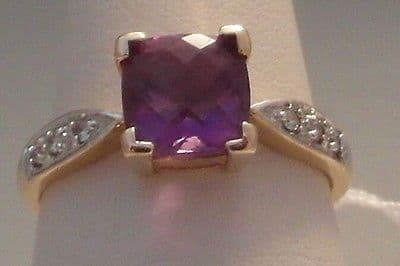 7F VINTAGE LADIES 14CT GOLD AMETHYST SOLITAIRE WITH DIAMOND ACCENTS RING SIZE N