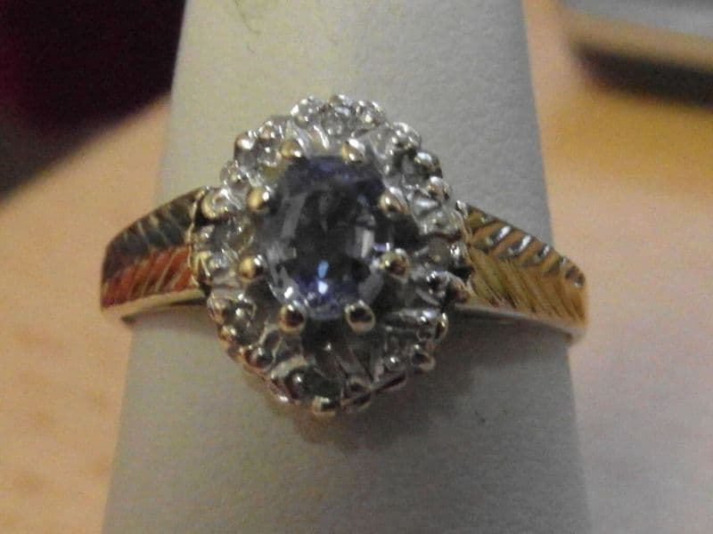 865E VINTAGE LADIES 9CT GOLD BLUE SAPPHIRE AND DIAMOND CLUSTER RING SIZE J 1/2