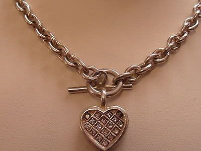 884E VINTAGE LADIES STERLING SILVER CURB T-BAR WITH HEART PENDANT 18 INCHES