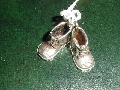 8A SOLID SILVER PAIR OF BOOTS CHARM WITH DETAILED SOLES