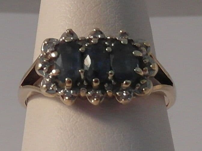 937F LADIES 9CT GOLDSAPPHIRE AND DIAMOND CLUSTER RING SIZE N 1/2