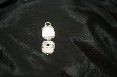 F33 SOLID SILVER OLD FASHION TYPEWRITER IN CASE CHARM / PENDANT