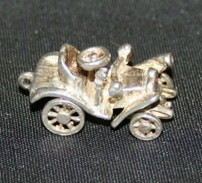 F38 SOLID SILVER VINTAGE FORD MODEL T CAR WITH MOVEABLE WHEELS CHARM / PENDANT