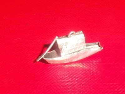 G81 SOLID SILVER BOAT WITH PADDLE / OAR CHARM / PENDANT