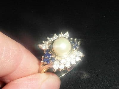 K11 LADIES 14CT GOLD LARGE MOTHER OF PEARL, SAPPHIRE & ZIRCONIA DRESS RING