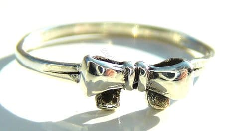 925 Sterling Silver Bow Ring, Size L - Q