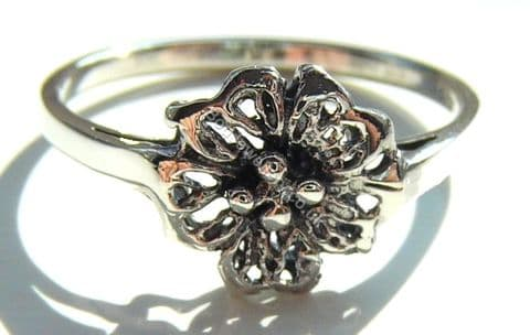 925 Sterling Silver Flower Ring, Size L - T