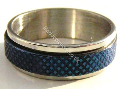 Stainless Steel Blue Criss Cross Pattern Spinner Ring, Size M - T