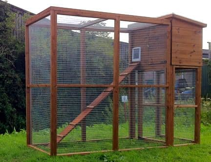Wooden Cat Kennel and Run